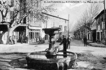 Photo ancienne - La place des Cafés